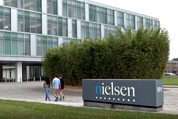 Juniors job shadow at Nielsen Research