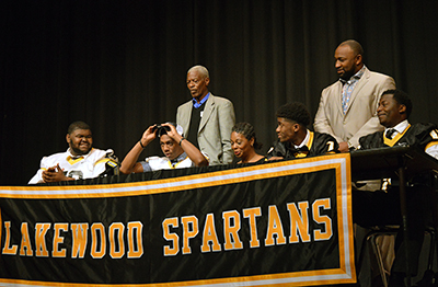 Lakewood athlete signs with Auburn