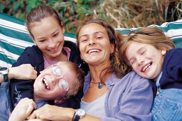 Mom_with_3_kids