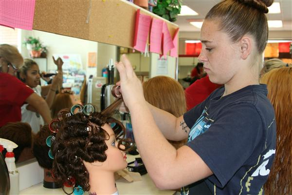 Find the best Cosmetology home tutoring providers with great ratings, reviews and qualifications!